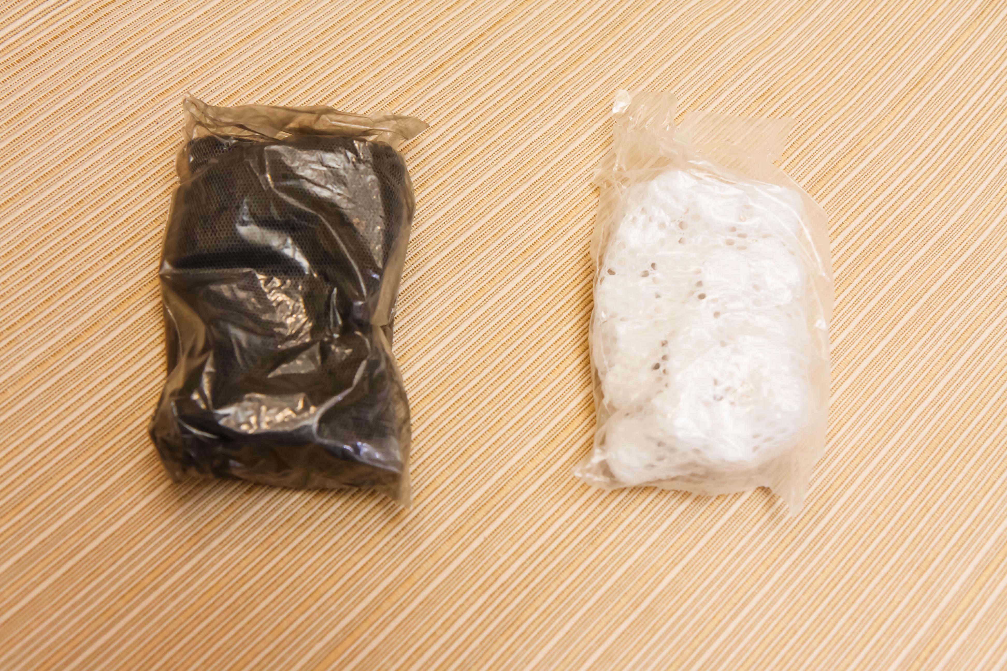 fluval spec carbon filter bag with biomax bag
