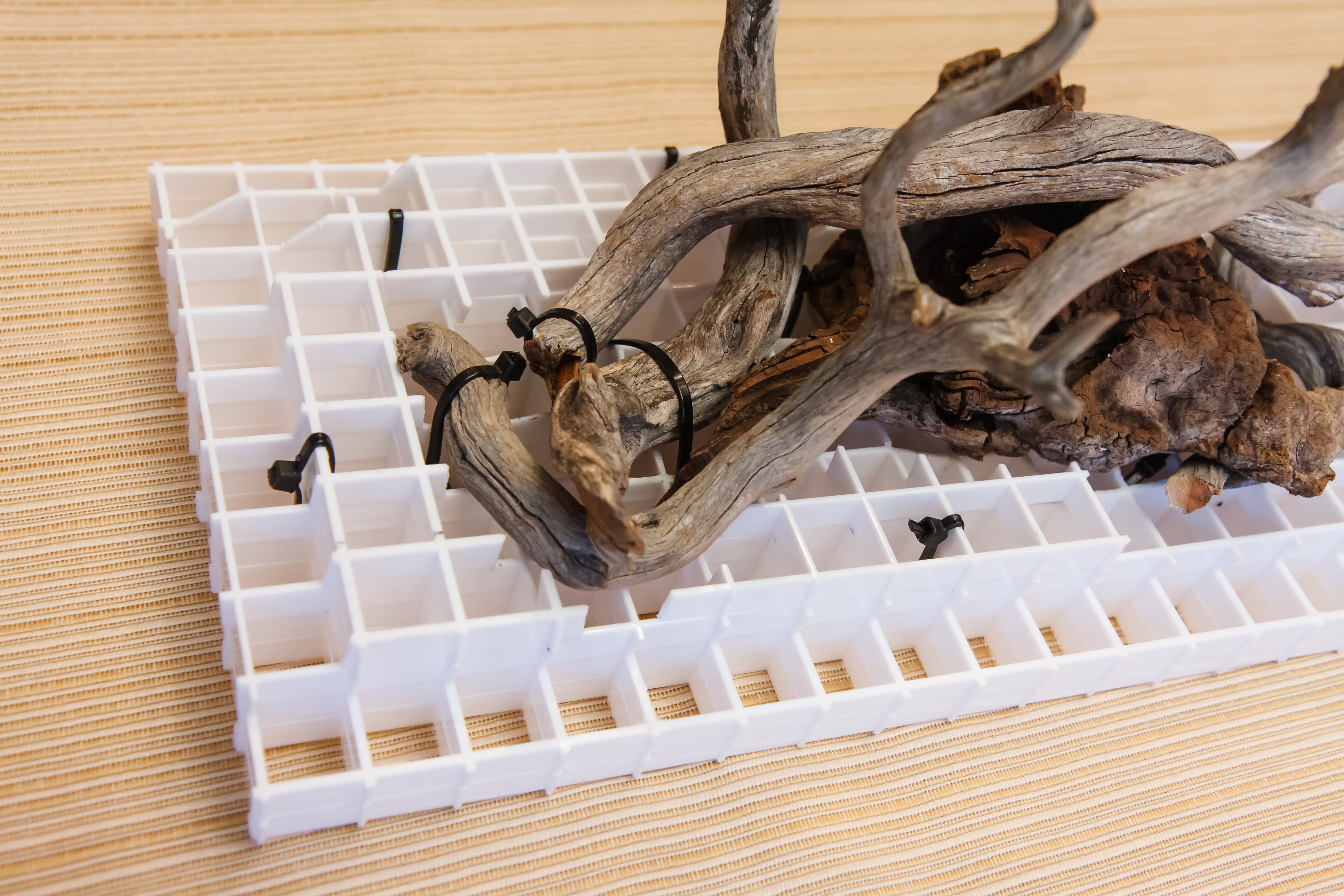 How To Secure Aquarium Driftwood Using Eggcrate Light Grid